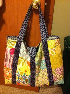 Moda: Charm Square Bag