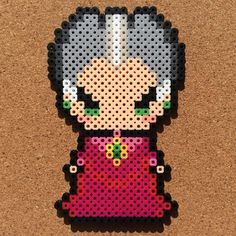 Lady Tremaine - Cinderella perler beads by Tsubasa Yamashita Hama Beads Disney, Perler Bead Disney, Diy Perler Beads, Perler Bead Art, Pearler Beads, Fuse Beads, Hama Beads Patterns, Beading Patterns, Pixel Art