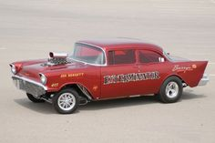 Barry White goes the 1957 Chevrolet Gasser route for the Wrecks to Riches television show. Don't miss out on how he takes it for a spin. Super Chevy Magazine, Car Magazine, Truck Scales, Plastic Model Cars, 1957 Chevrolet, Vintage Race Car, Drag Cars, Car Humor, Drag Racing