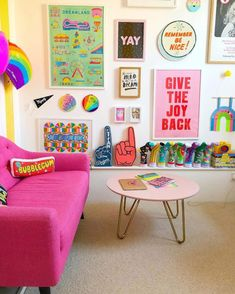 Casa Rock, Living Room Decor, Bedroom Decor, Wall Decor, Colourful Living Room, Retro Living Rooms, Pink Table, Aesthetic Room Decor, Amazing Spaces