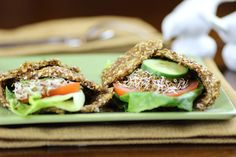 Try this raw onion bread as a wrap. Be sure to use sweet onions not regular white onions. A dehydrator is required. Raw Vegan Recipes, Vegan Snacks, Vegan Gluten Free, New Recipes, Bread Recipes, Cooking Recipes, Healthy Recipes, Freezer Recipes, Freezer Cooking