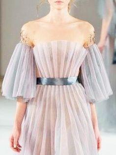 robe transparence mauve pâle par yulia yanina été 20I6
