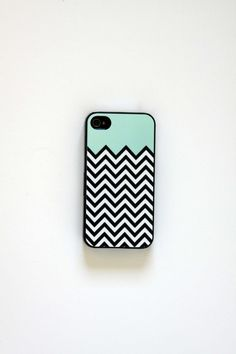 chevron tiffany black&white case..