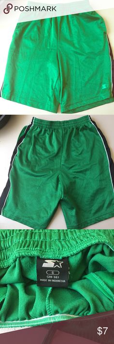 Starter Basketball Shorts Comfortable green Starter athletic shorts. Small snag on the front. Starter Shorts Athletic