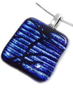 Handgemaakte zwart met blauwe dichroide glas hanger!