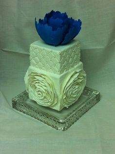 Sugar Heaven - mini blue & white cake