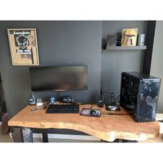 "1,573 Likes, 4 Comments - Mal - PC Builds and Setups (@pcgaminghub) on Instagram: ""That's a cool desk I've ever seen one! I wonder how much something like that would cost.  By:…"""