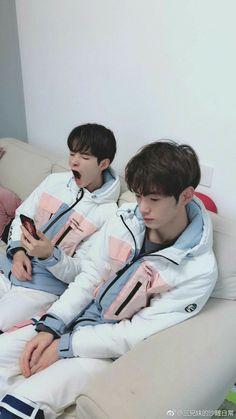 Korean Boys Ulzzang, Ulzzang Kids, Cute Korean Boys, Ulzzang Couple, Cute Boys, Cute Asian Babies, Asian Kids, Cute Funny Babies, Foto Best Friend