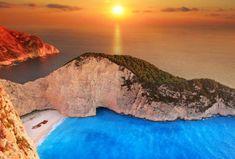 Μπορεί το ηλιοβασίλεμα της Σαντορίνης να είναι ξακουστό, όμως, υπάρχει ακόμη ένα νησί, που μπορεί Beautiful Sunset, Maldives, Santorini, Niagara Falls, Tuscany, Netherlands, Greece, Italy, Paris