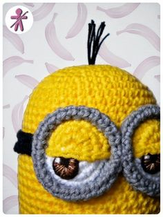 AmigurumisFanClub: Photo-tutorial: Minion's eye step by step · Foto-tutorial: El ojo de Minion, paso a paso Crochet Kawaii, Minion Crochet, Crochet Gratis, Crochet Amigurumi, Amigurumi Patterns, Crochet Dolls, Free Crochet, Crochet Patterns, Crochet Fabric