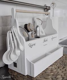 Riviera Maison Cutlery Organizer bei home go lucky: www.homegolucky.com/produkt/riviera-maison-cutlery-organizer-besteckkasten