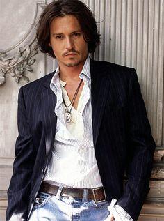 interesting detail -----▶  belt buckle on the side ◀----- Johnny Depp