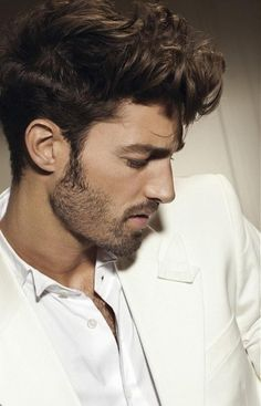 While a perfect pompadour comes across as sharp and sophisticated, a Wavy Pompadour Hairstyle feels youthful and fun. Here are 2 styles of Wavy Pompadour Hairstyle to get that fun and youthful look. Mens Hairstyles Pompadour, Undercut Hairstyles, Curled Hairstyles, Top Hairstyles, Modern Hairstyles, Medium Hair Cuts, Medium Hair Styles, Short Hair Styles, Medium Curly