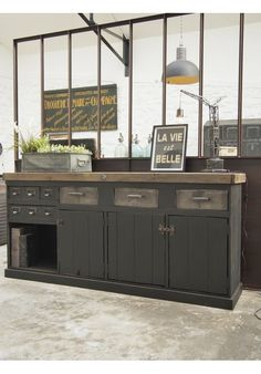 Vintage Industrial Decor, Industrial House, Industrial Furniture, Industrial Style, Buffet Cabinet, Sideboard, Military Shop, Warehouse Living, Style Deco