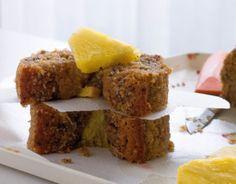 Sommerlig ananas og chiafrø kake