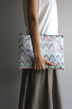Bargello beads clutch
