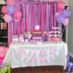 Uma festa Dinossauro para meninas, adorei! Cores lindas e super alegre. Fonte #pinterest  #kikidsparty