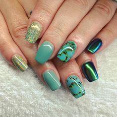 Neon Acrylic Nails, Cnd Shellac, Green Nails, Pretty Nails, Chrome, Green Toe Nails, Green Nail, Cute Nails, Belle Nails