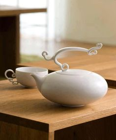 Tea set by Hernich Wang design