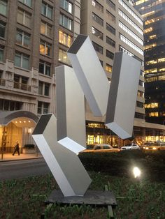 3D sculptures of Rafael Barrios on view till July on Park Avenue NY.