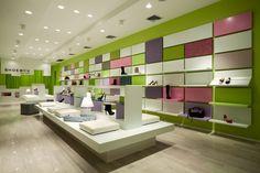 Shoebox store in New York by Sergio Mannino Studio