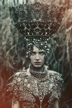 Costumes fitted for a Gothic Queen by Polish fashion designer Agnieszka Osipa. * crown * hat * design