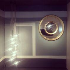 Lámpara &tradition yespejo de  Alejandroconvexos, sobre fondo pintado idea original de Vertex