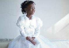 Garota de 7 anos escreve livro para mostrar que meninas negras também podem ser princesas
