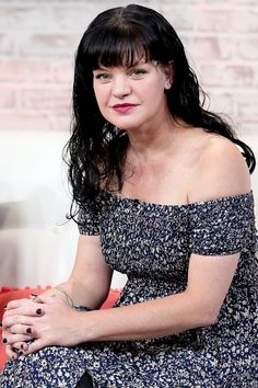 "Pauley Perrette Implies She Left N. After ""Multiple Physical Assaults"" Classic Actresses, Actors & Actresses, Ncis Abby Sciuto, Pauley Perrette Ncis, Pauley Perette, Joelle, Star Wars Girls, Female Pictures, Hollywood Celebrities"