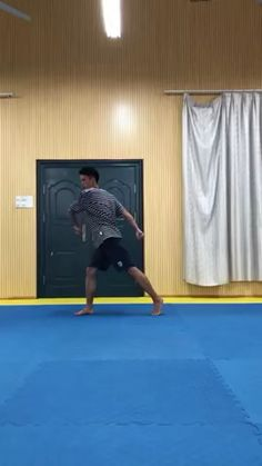 Geek Discover Easy trick to learn full body side flip Best Fitness Martial Arts Workout Martial Arts Training Boxing Workout Taekwondo Training Mma Workout Cool Dance Moves Easy Dance Fight Techniques Martial Arts Techniques Gym Workout Videos, Fitness Workouts, At Home Workouts, Mma Workout, Body Workouts, Boxing Workout, Easy Dance, Cool Dance Moves, Fight Techniques