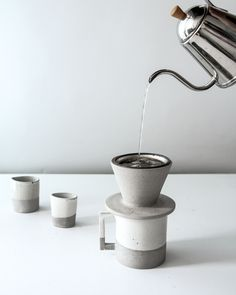 Made from durable stoneware by the acclaimed Humble Ceramics, this hand-thrown manual dripper exemplifies slow living. Humble makes a study of balance versus polarity, and embracing imperfections. We