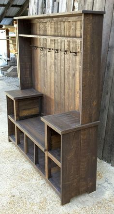 This rustic U bench hall tree offers ample storage for any entryway. This rustic U bench hall tree offers ample storage for any entryway. It's rustic farmhouse style Wooden Pallet Projects, Wooden Pallets, Pallet Ideas, Pallet Diy Decor, Pallet Patio, Wooden Sheds, Pallet Sofa, Furniture Projects, Home Furniture