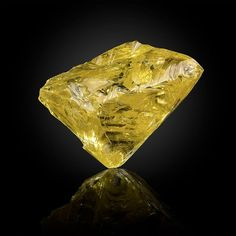Diamond Mines, Rough Diamond, Gems Jewelry, Jewellery, Stunning Girls, Quality Diamonds, Rocks And Gems, Diamond Design, Rocks And Minerals