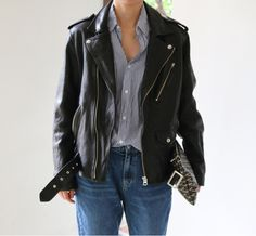 Death by Elocution- Comfy blue striped shirt- Oversized black leather jacket- Light blue boyfriend jeans Fashion Gone Rouge, All Black Looks, Edgy Outfits, Boyfriend Jeans, Everyday Fashion, Passion For Fashion, What To Wear, Style Me, Winter Fashion
