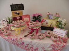 Cupcake Wars Displays   cupcake wars whew here are my cupcake displays for both