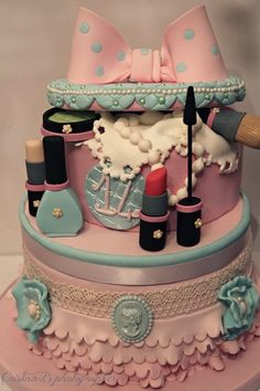 """""""My first beauty case"""" birthday cake - by LaBelleAurore @ CakesDecor.com - cake decorating website"""