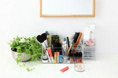Make-Up organizer. (photo from facebook/muji)