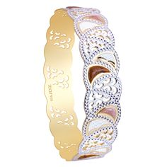 The slim gold bangle with beads studded.