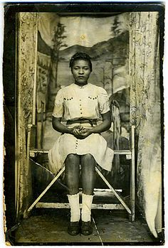 I don't think anything ever tops vintage or antique photographs - Photo from the collection of Angelica Paez.