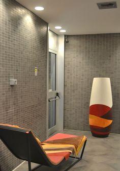 EGOLUCE Projects   Egoluce illumina  Show Room - Linea Pelle Milano  Progetto illuminotecnico: Resmini Luce - Piacenza  Prodotti: Tappo, Vero Tondo, Galileo
