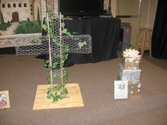Ministry Ideas ~ Chicken Wire Cross to place flowers in. Wire Crosses, Dealing With Loss, Wedding Cross, Easter Cross, Ministry Ideas, Chicken Wire, Cute Crafts, Sweet Girls, Altar