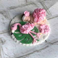 FLAMINGO CAKE TOPPER, Flamingo baby shower cake, flamingo baby shower cake topper, fondant flamingo nursery, flamingo invitations baby Flamingo Nursery, Flamingo Baby Shower, Flamingo Cake, Fondant Cake Toppers, Fondant Figures, Cupcake Toppers, Sugar Art, Baby Shower Cakes, Beautiful Cakes