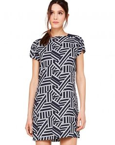 Check out the New Women's Dresses from the Fall Winter Benetton Collection - Free delivery on orders over 66 GBP. Benneton, Colors Of Benetton, Mi Long, New Dress, Short Sleeve Dresses, Dresses For Work, Spring Summer, Outfits, Clothes