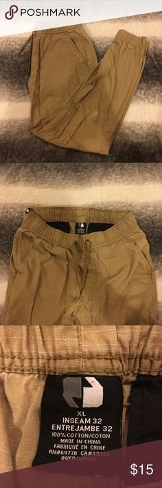 Pacsun Joggers - Khaki Khaki jogger pants bought from Pacsun. Pretty used, normal wear for pants. 32 inseam PacSun Pants Sweatpants & Joggers