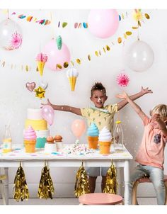 décoration anniversaire multicolore- colourful birthday party http://www.hollyparty.com/cat-glace-party-415.htm