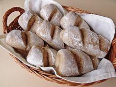 Citromhab: Rozsos bucik Bread Recipes, Baking Recipes, Cake Recipes, Healthy Recipes, Austrian Recipes, Austrian Food, Czech Recipes, Pan Bread, Bread Rolls