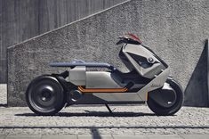 BMW presents its vision of zero-emission urban mobility with the BMW motorrad concept link—an electric bike that unites the digital with the sustainable. Scooter Design, Motorbike Design, Robot Design, Bike Bmw, Motorcycle Bike, Concept Motorcycles, Cool Motorcycles, Eletric Bike, Bmw Electric