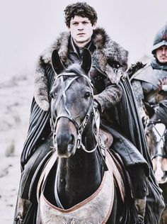 Iwan Rheon as Ramsay Bolton in Game of Thrones Bolton Game Of Thrones, Game Of Thrones Tv, Hip Hip, Winter Is Here, Winter Is Coming, Sansa Stark, Got Ramsay, Bolton Got, Ramsey Bolton