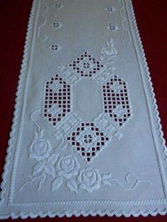Types Of Embroidery, Learn Embroidery, Embroidery Patterns, Drawn Thread, Hardanger Embroidery, Brazilian Embroidery, Satin Stitch, Cutwork, Sewing A Button