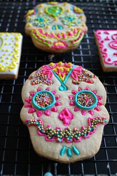 Skulls sporting the new grill look-Gold teeth- Sugar Skull Cookies!!